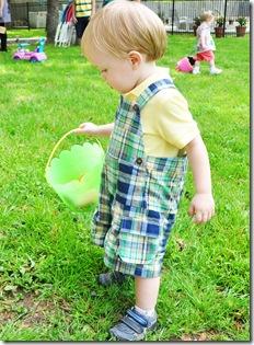 easter 2010 andy egg hunt2