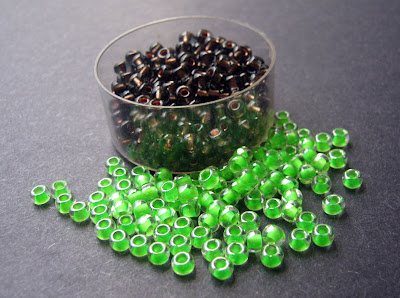 Neon Green and Copper Lined Gray Seed Beads