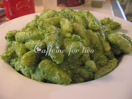 gnocchi di ricotta al pesto di spinaci