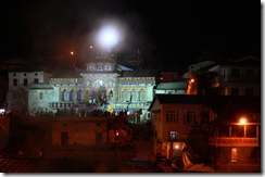 badrinath_temple-night-view