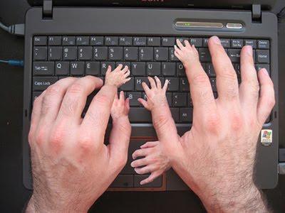 Menulis Dengan Tangan Lebih Cepat Belajar,mengetik dikomputer malah akan membuat menjadi lebih bodoh
