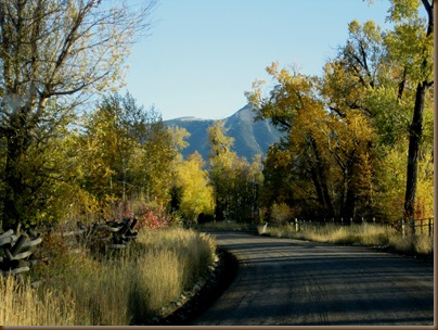 The East Boulder Road in fall
