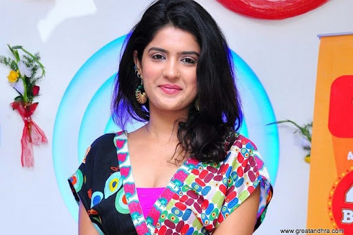 Deeksha Seth Cute Photos