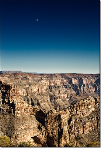 grand-canyon_eagle-point_moon_tall_highcon_01