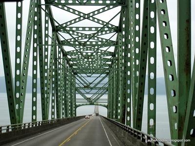 HeAding to Washington across the 4 miles bridge at Astoria