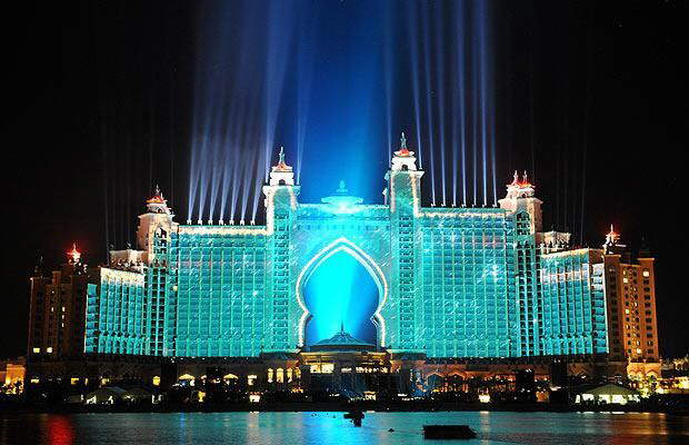Biggest Fireworks in the History.... Atlantis Hotel (Dubai) Opening