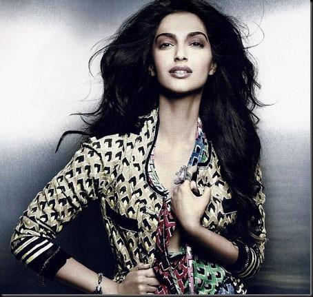Bollywood Unseen Hot Actress Sonam Kapoor Photo's
