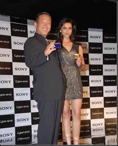 2Deepika Padukone Sony Cyber Shot brand ambassador