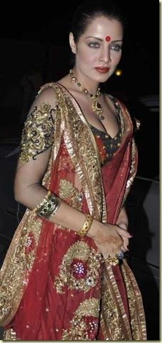 Stars_at_Fardeen_Khan_s_sister_Laila_Khan_wedding_reception_5_