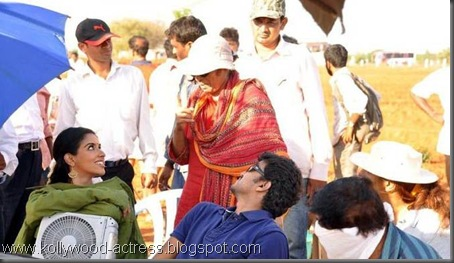 4Vijay's Kavalkaran on location