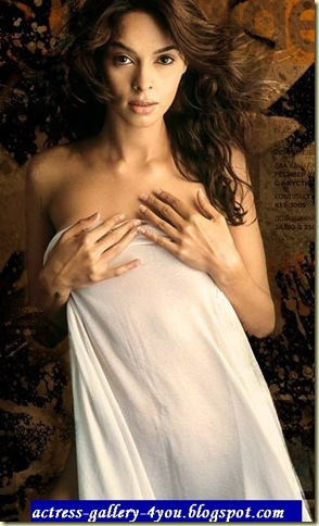 Bollywood Actress: Mallika Sherawat avoids nude shot again?