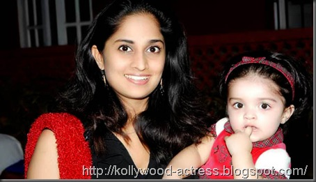 ajith-shalini-daughter-baby-anoushka-first-birthday-celebration-stills-3