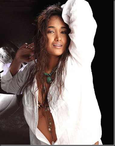 01 Jiah Khan sexy bollywood actress pictures201109