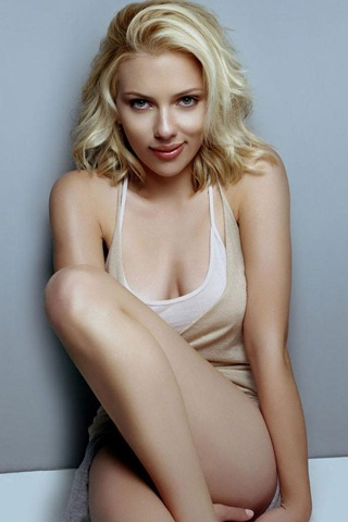 scarlett johansson iphone hack. scarlett johansson iphone pic.