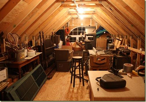 garage clean up yard sale 060