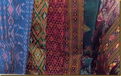 ผ้าไทยและชุดไทยของคนทอผ้า