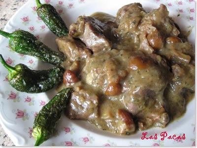 Carne de Morcillo en Salsa de puerros y setas con pimientos de Padrón (1)