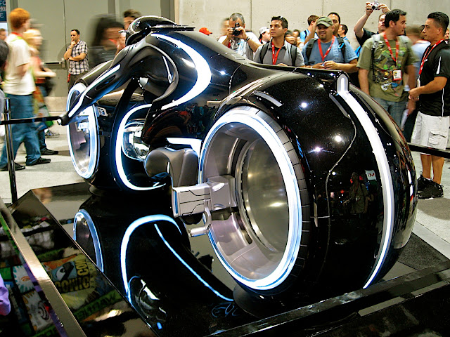 Light cycle 3/4 rear