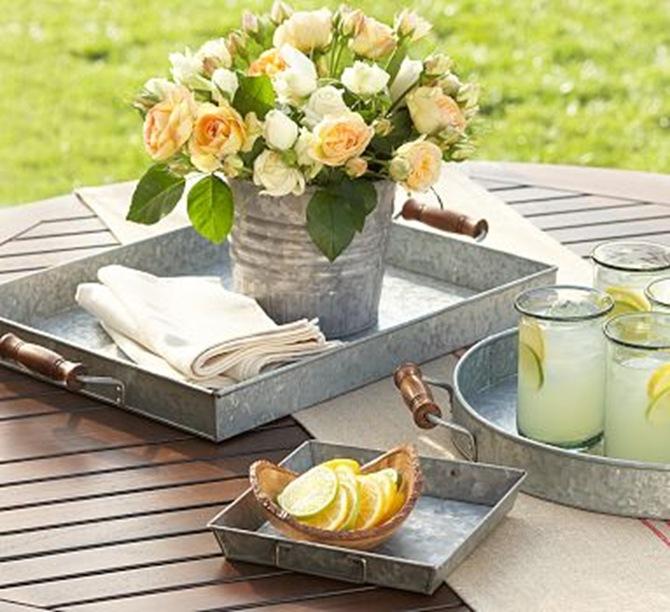 trays 2