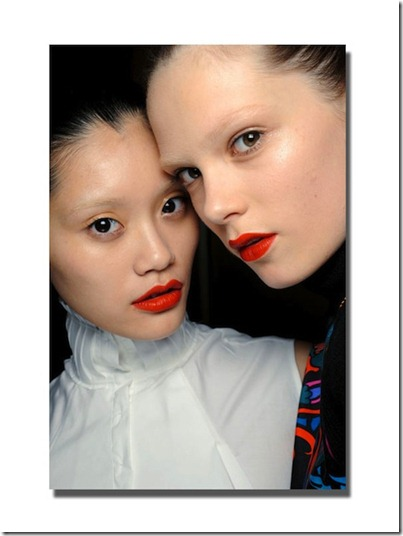 giles-backstage-beauty-fall-2011
