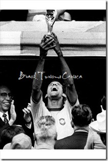 1970 FIFA World Cup Mexico - Captain Carlos Alberto with the World Cup Trophy