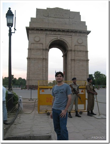 Me at India Gate..Love You Delhi :)