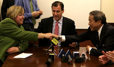 A sight that we'd love to see again. Compromise between Town of Hempstead Supervisor, Kate Murray (left), Nassau County Executive, Tom Suozzi (middle) and Principal Lighthouse Developer, Charles Wang (right). (Photo Courtesy of Let There Be Light(house))