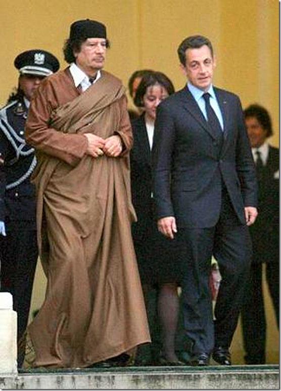 Gadafi y Sarkozy EFE