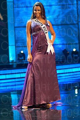 costa rica1 Miss Universo 2009: Inspirações para vestidos de madrinha e noiva