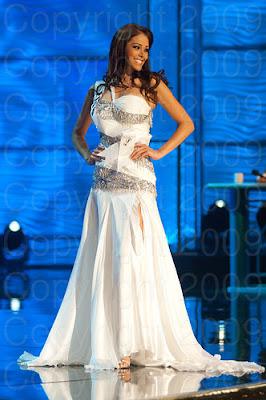 peru1 Miss Universo 2009: Inspirações para vestidos de madrinha e noiva