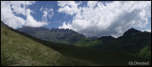 13 Dragons Teeth & Eye of the needle Drakensburg hike KwaZulu-Natal ZA pano (1024x449)