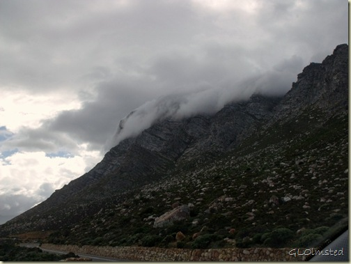 02 Clouds over mts R44 N Western Cape ZA (1024x768)