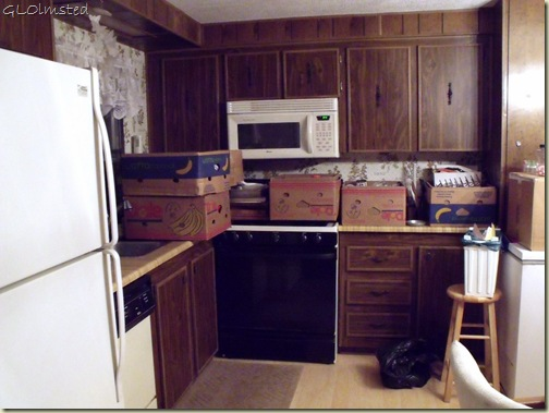 03 Boxes of kitchen stuff for sale San Benito TX (1024x768)