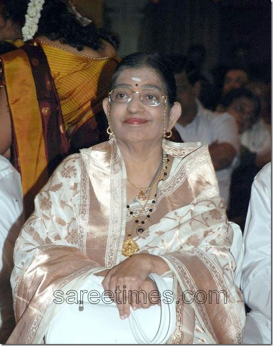 Susheela-White-Sari-Soundarya-Rajinikanth- Marriage