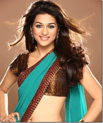 shraddha-das-Green-Sari