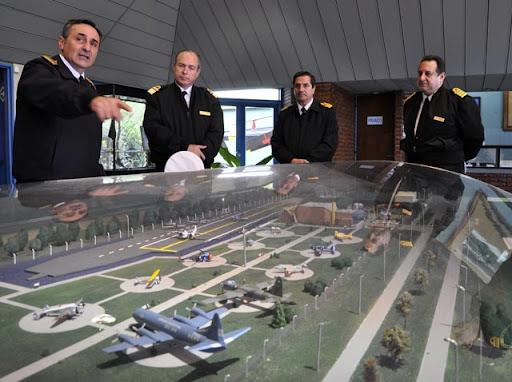 Armada de Uruguay visita Espora y Puerto Belgrano. 1954_grande_uru0