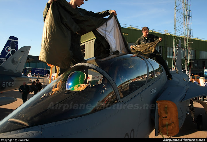 Liberacion de Mirage 2000-5 ex AdA para el mercado de segunda mano? - Página 3 61847