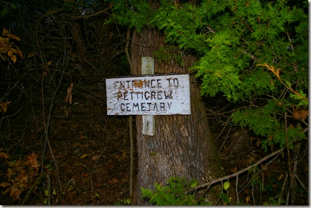 Sign to cemetery