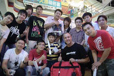 HeatoN來台系列文章(09)- Taipei day 5 : 台北台南兩地簽名會