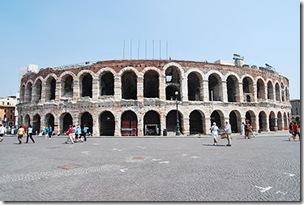 Verona_arena_2009 - da Wikipedia