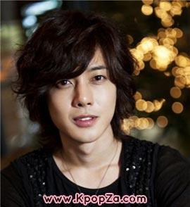 Kim Hyun Joong เซ็นสัญญาใหม่กับบริษัทของ Bae Yong Joon