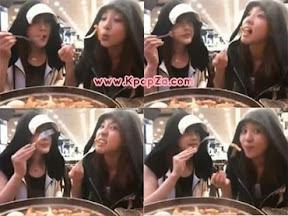 Dara และ Park Bom แอบไปกิน dduk-bok-i ด้วยกัน