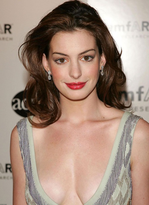 Hot_actress_anne_Hathaway_photo_6