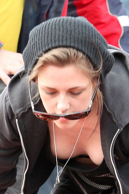 Kristen_stewart_New_and_Hot_13