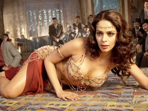Mallika Sherawat, indian hot actress, sexy indian actress, sexy Mallika Sherawat, Mallika Sherawat hot photos, hot actress in world