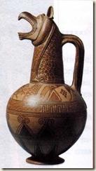 Cerâmica grega modelada em cabeça de grifo proveniente das ilhas Cíclades