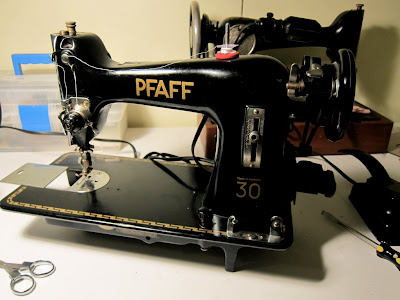 Male Pattern Boldness Oh Joy Oh Rapture The Pfaff 40 Adorable Pfaff Sewing Machine Model 130