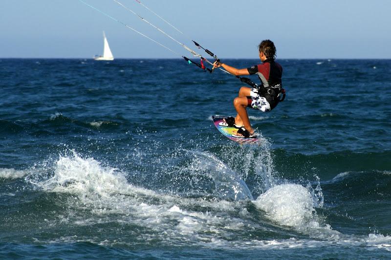 Kitesurf, voando sobre as ondas