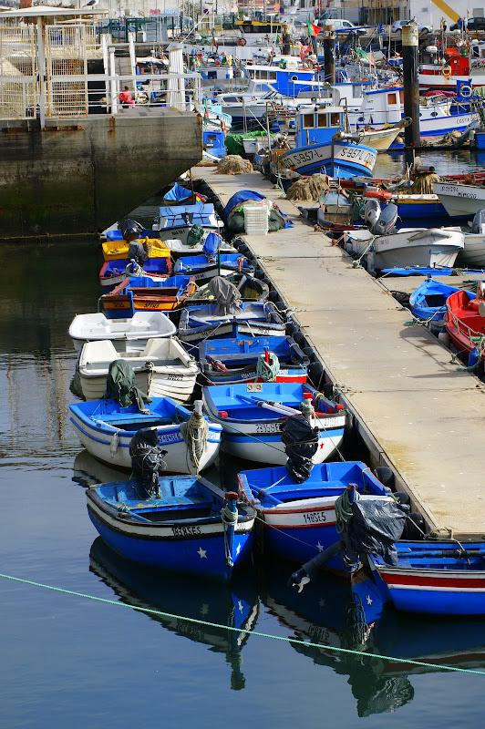 Barcos na doca dos pescadores