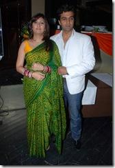 Karisma Kapoor Juhi Parmar Tanaz Currim (11)